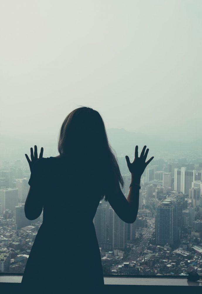 Znečistenie ovzdušia sa udržalo na nízkej úrovni napriek zmierneniu obmedzenia pohybu